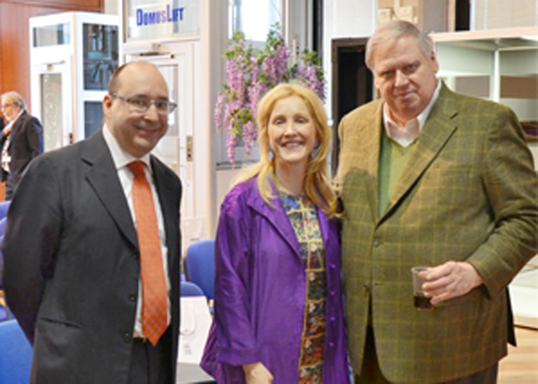 Eng. Matteo Volpe e Maria Volpe en no showroom de IGV juntamente com prof. Andrew Lawlor, coordenador da equipe da Universidade de Michigan