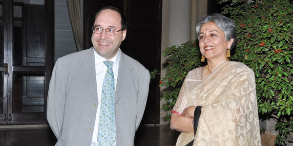Eng. Matteo Volpe e arch. Brinda Somaya durante o evento institucional em embaixada italiana em Nova Delhi, na Índia